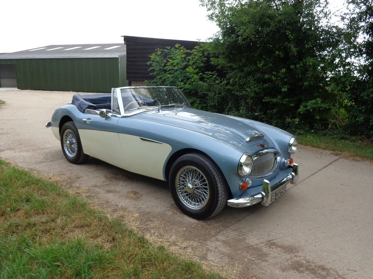 1967 AUSTIN HEALEY 3000 MK 3 PH 2 - AN EARLIER RESTORATION For Sale (picture 2 of 6)