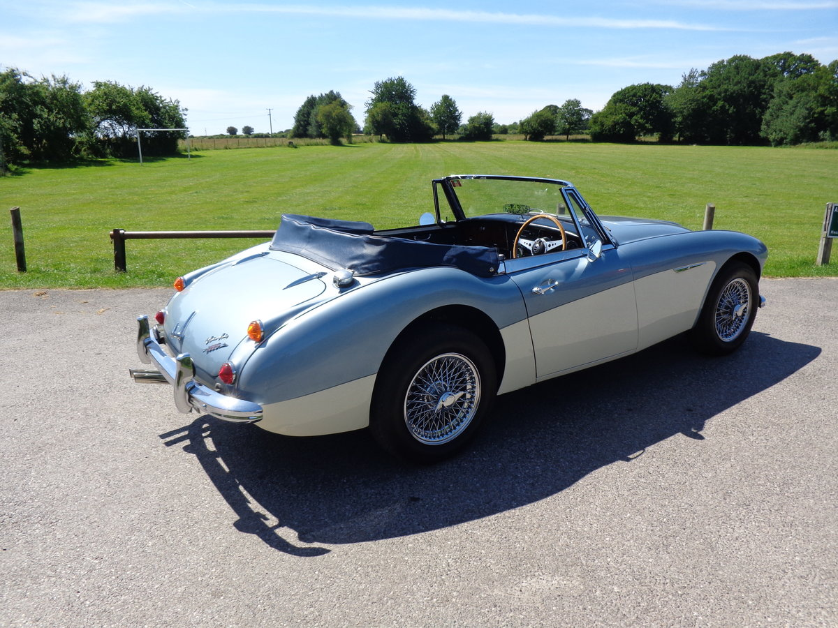 1967 AUSTIN HEALEY 3000 MK 3 PH 2 - AN EARLIER RESTORATION For Sale (picture 4 of 6)