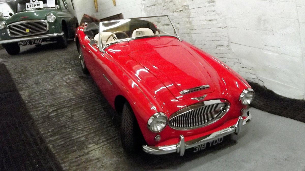 1962 AUSTIN-HEALEY 3000 MKII BT7 (FOUR SEATER MODEL) For Sale (picture 2 of 6)