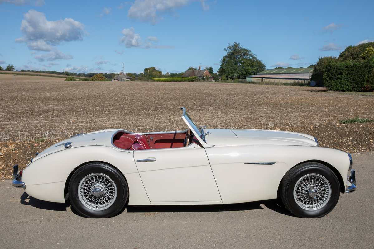 1959 Austin Healey 300 MkI BN7 | UK RHD w. Factory Hardtop For Sale (picture 3 of 6)