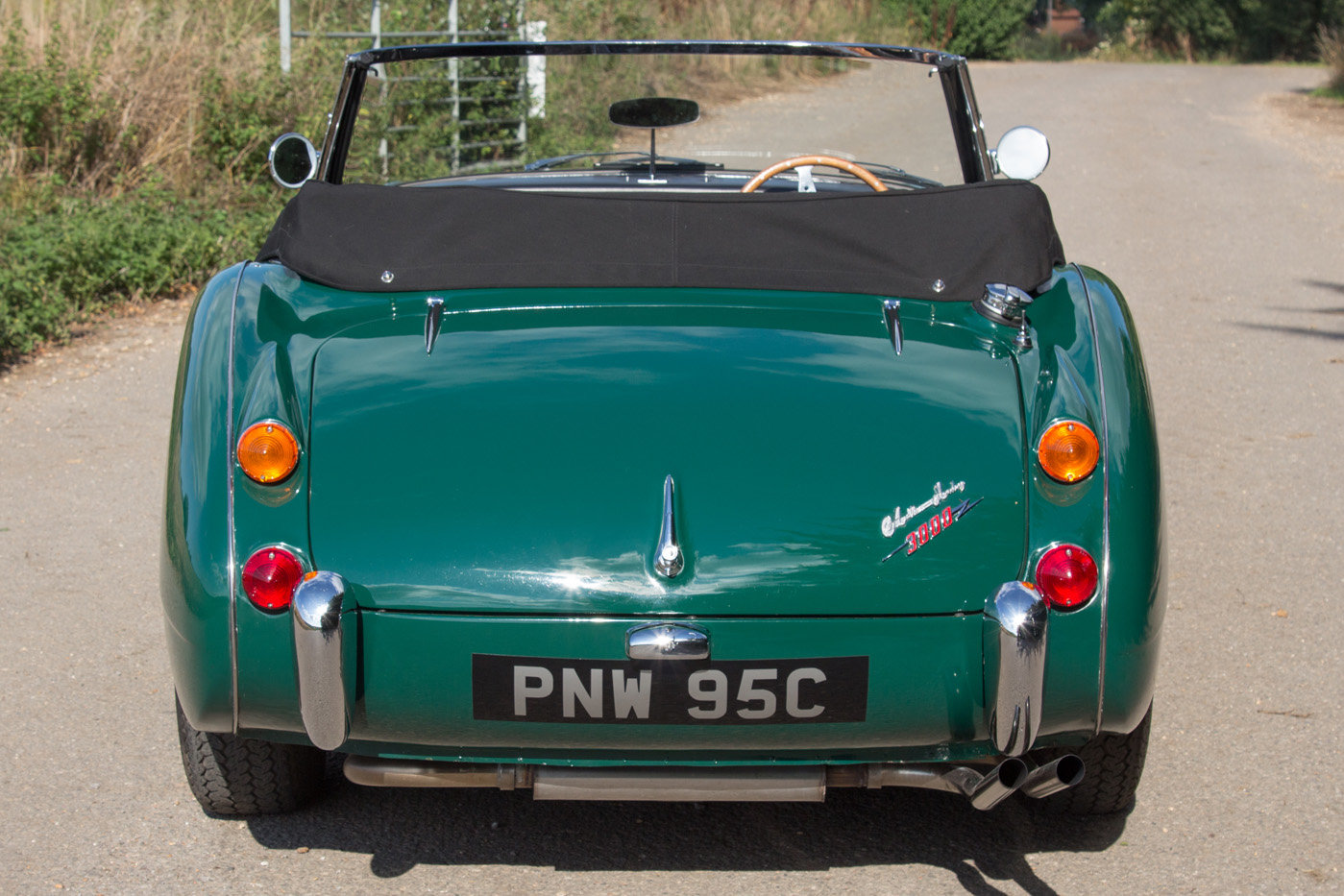 1965 Austin Healey 3000 MKIII | Highly Upgraded for Touring For Sale (picture 4 of 6)