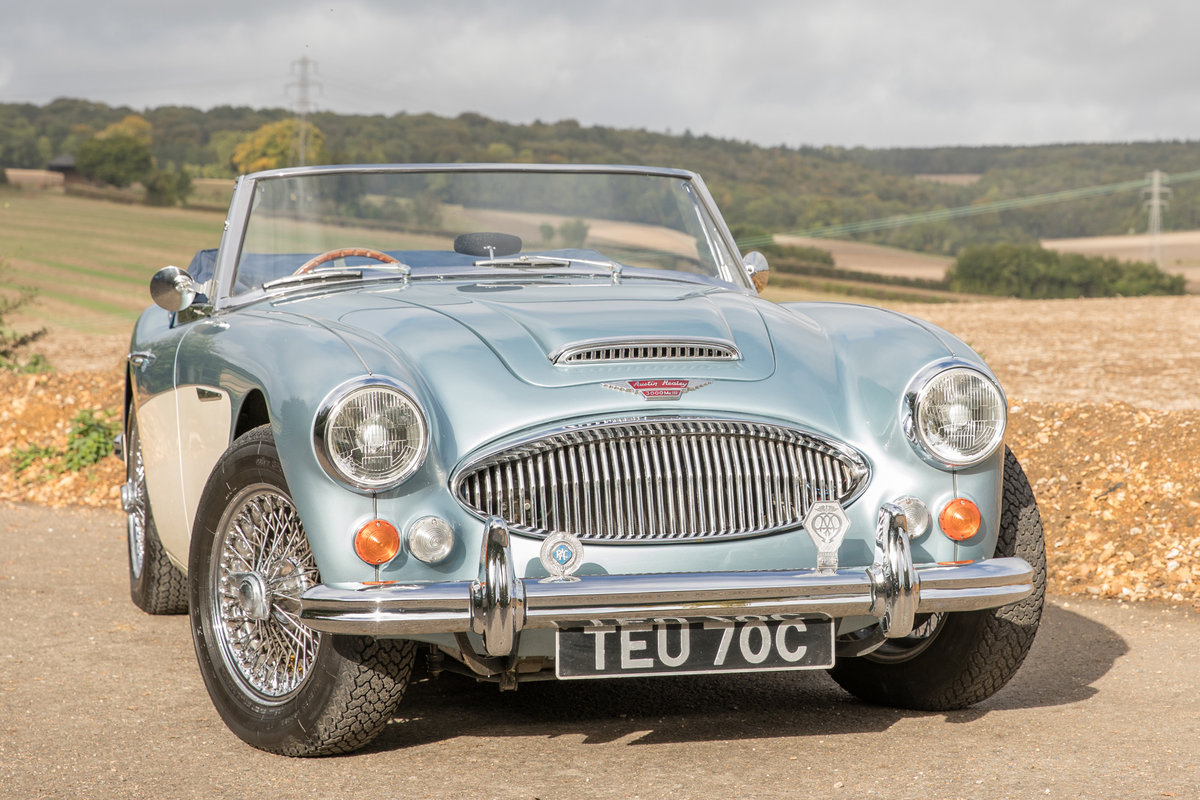 1965 Austin Healey 3000 MkIII Phase II Healey Blue & Ivory SOLD (picture 1 of 6)
