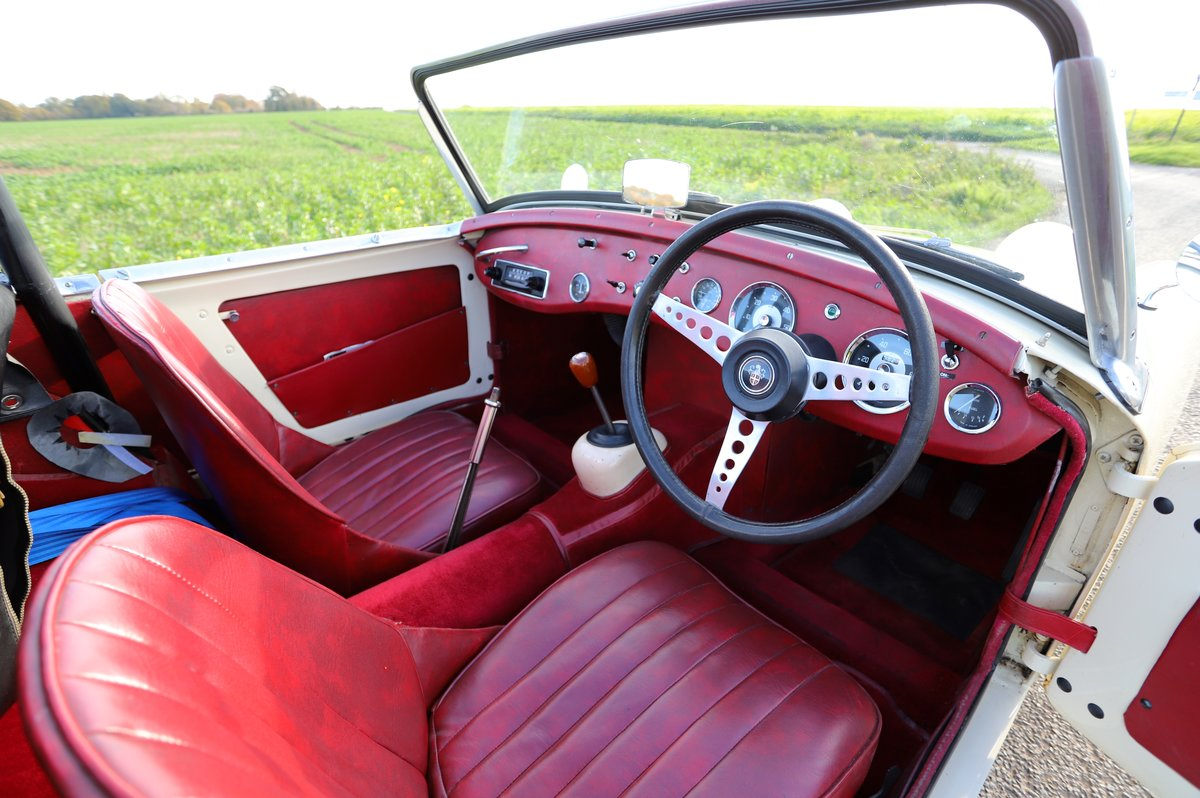 Austin Healey Frogeye Sprite, 1961. Old English White For Sale (picture 5 of 6)