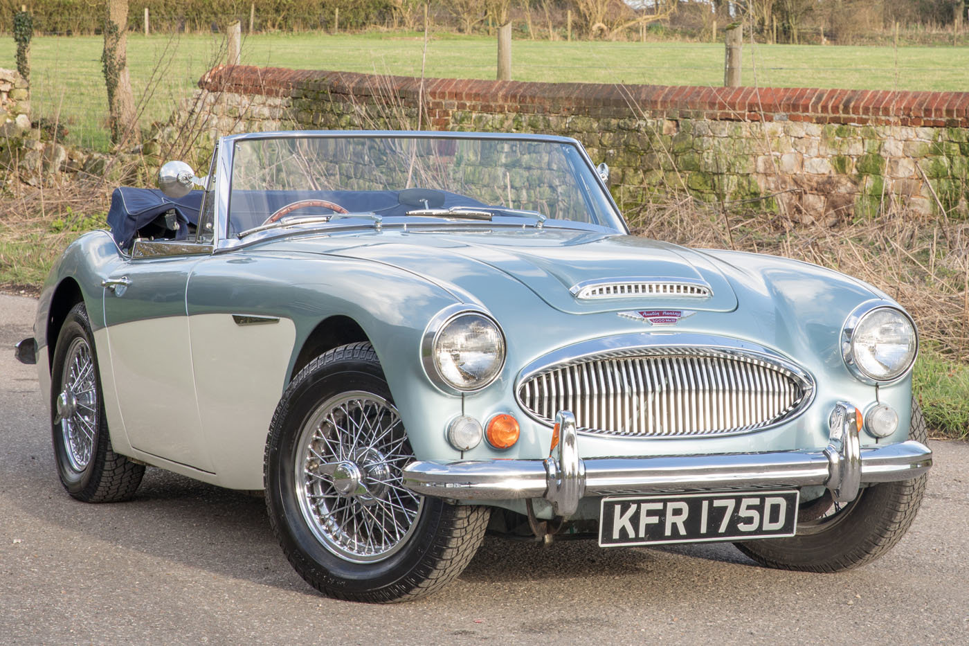 1966 Austin Healey 3000 MkIII Healey Blue & Ivory Duotone SOLD (picture 1 of 6)