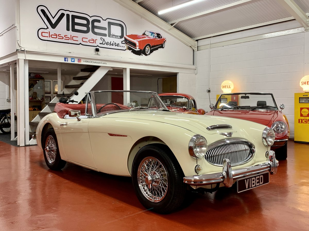 1962 Austin Healey 3000 MkII BJ7 // Full Photographic Restoration For Sale (picture 1 of 6)