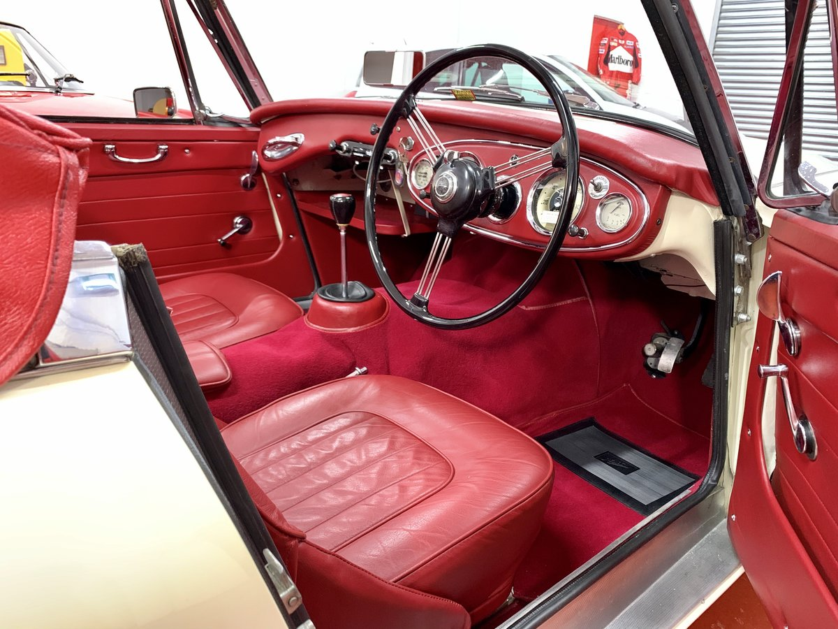 1962 Austin Healey 3000 MkII BJ7 // Full Photographic Restoration For Sale (picture 4 of 6)