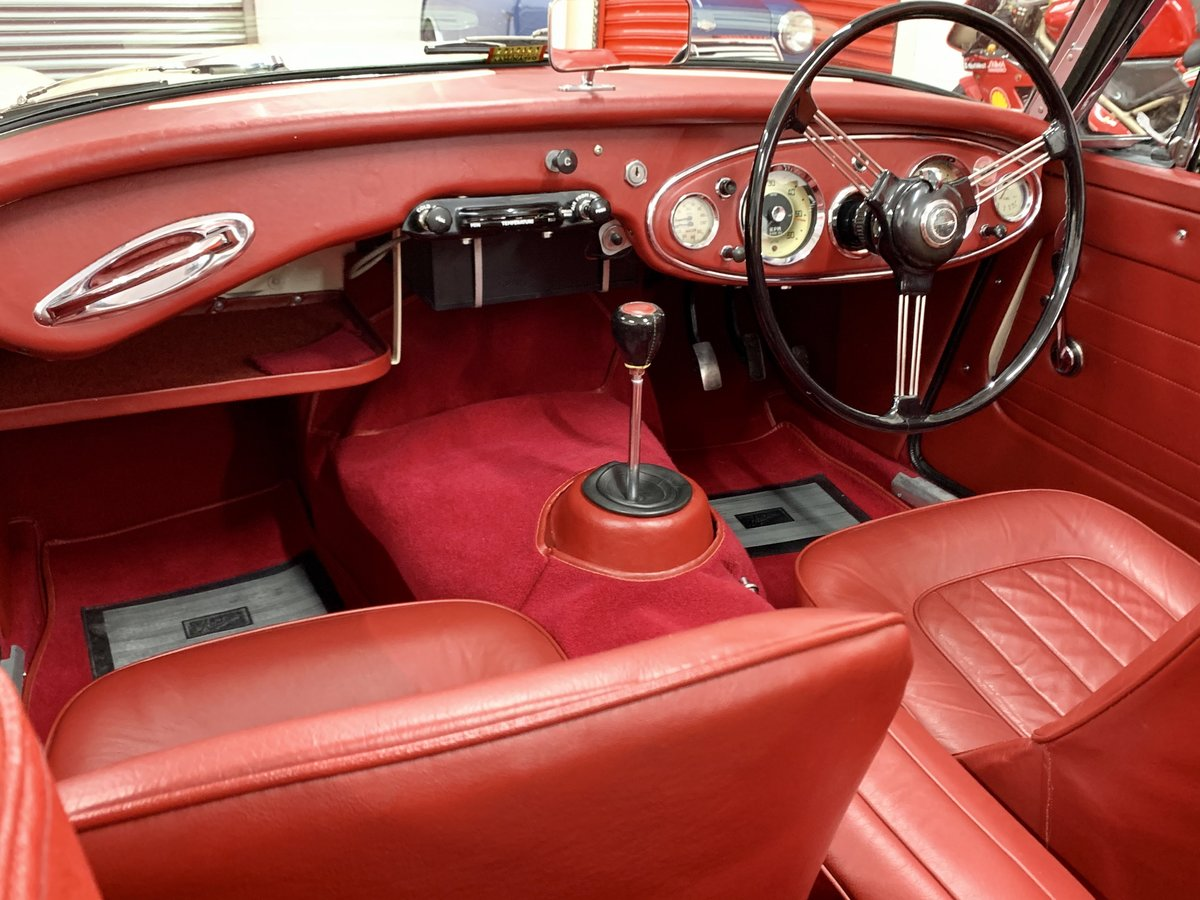 1962 Austin Healey 3000 MkII BJ7 // Full Photographic Restoration For Sale (picture 5 of 6)