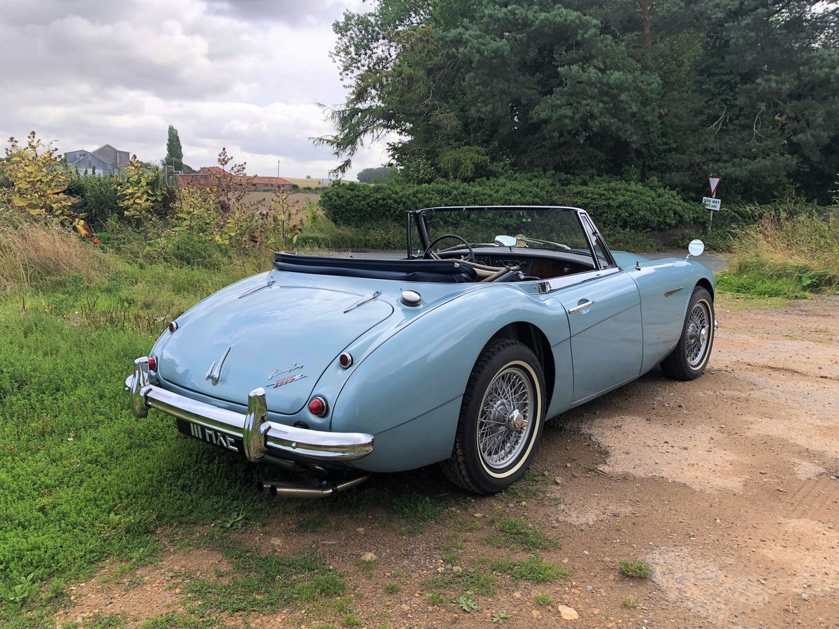 1964 Austin Healey 3000 MKIII BJ8 SOLD (picture 4 of 10)