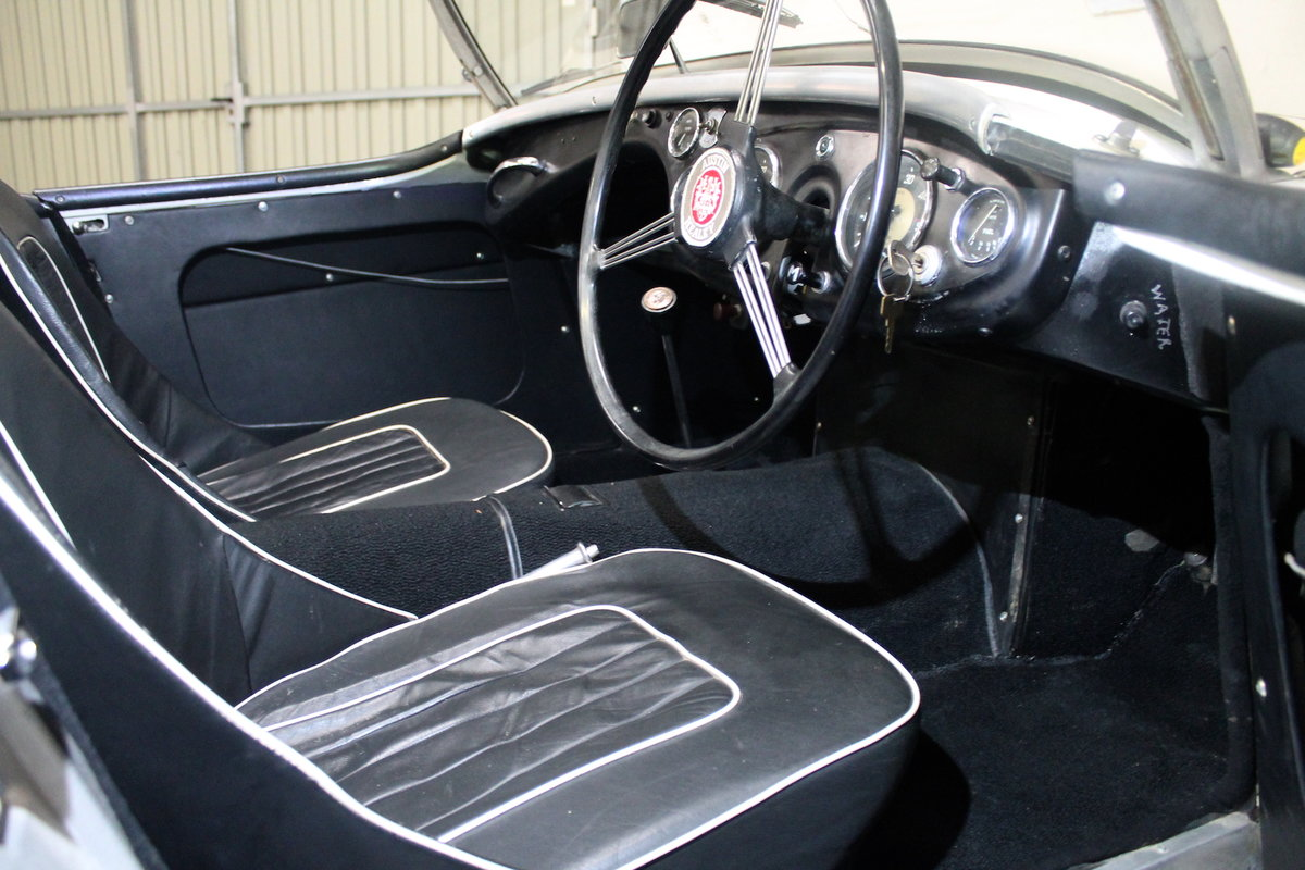 1954 Nice Austin Healey 100/4 3 Speed Gearbox For Sale (picture 4 of 6)