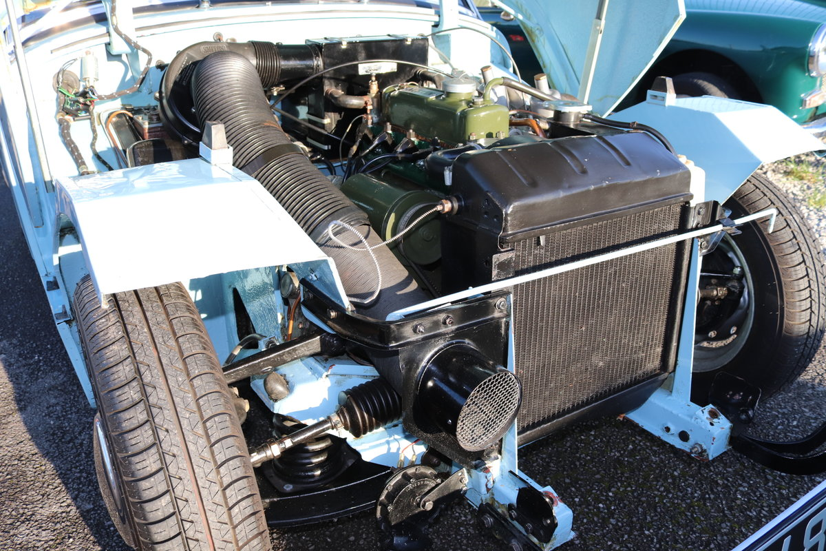 1959 Frogeye Sprite in Speedwell blue to show standard For Sale (picture 3 of 6)