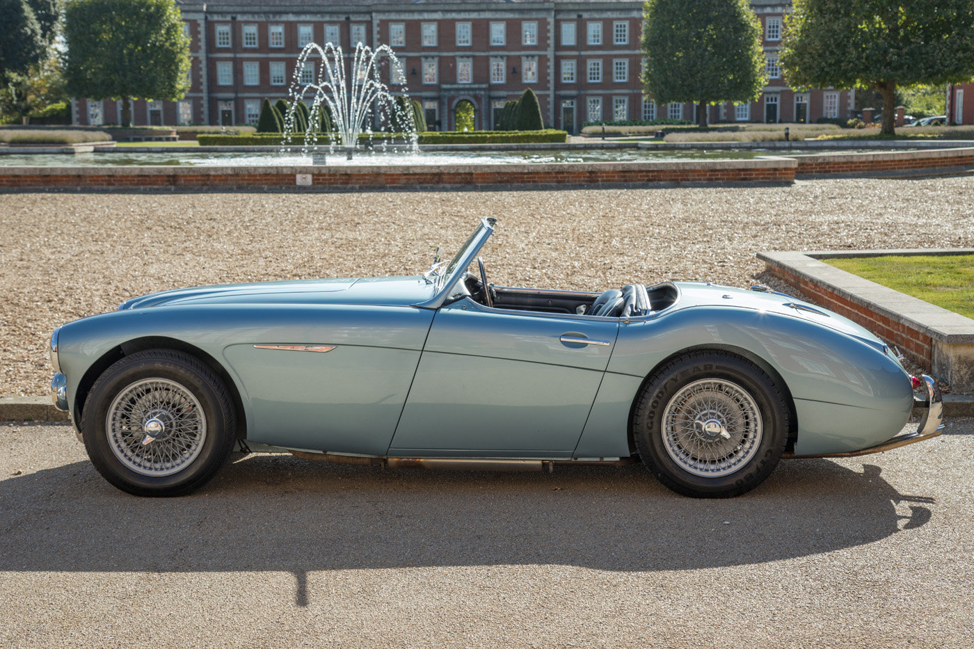 1961 Barn Find Austin Healey 3000 MkII BN7, 1of4 Healey Blue RHD  SOLD (picture 2 of 4)