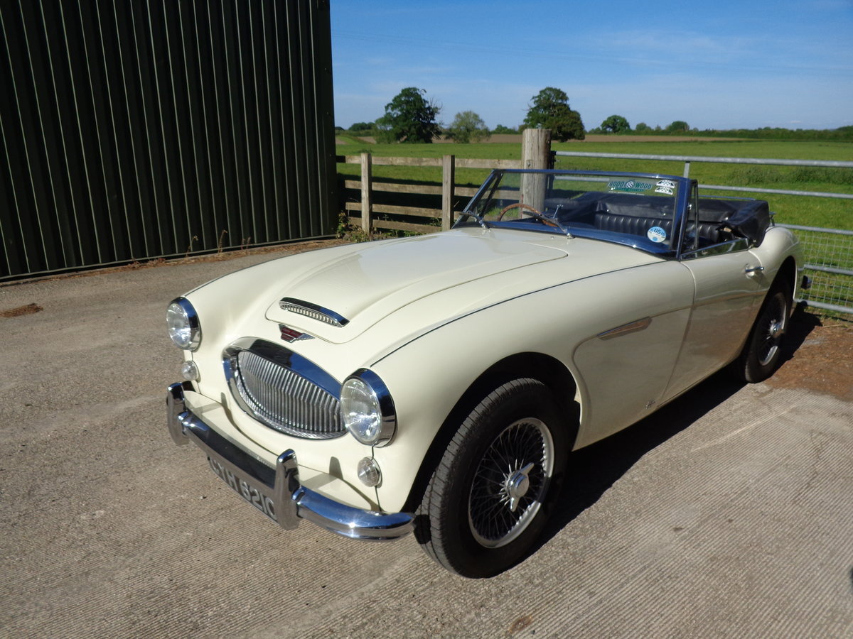 1965 AUSTIN HEALEY 3000 MK 3 PH 2 -  AN EARLIER RESTORATION For Sale (picture 2 of 6)