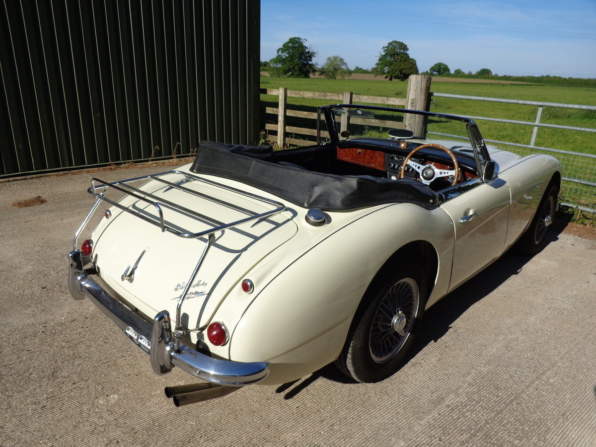 1965 AUSTIN HEALEY 3000 MK 3 PH 2 -  AN EARLIER RESTORATION For Sale (picture 4 of 6)