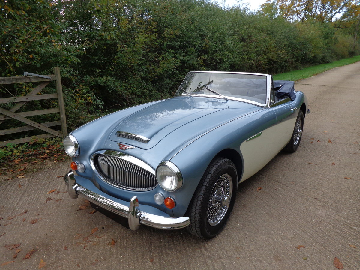 1967 AUSTIN HEALEY 3000 MK 3 PH 2 -  RESTORED TO SHOW STANDARD! For Sale (picture 1 of 6)