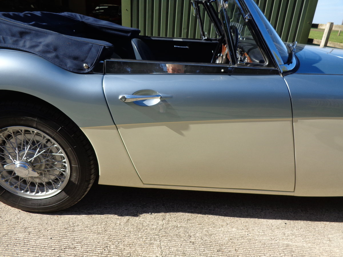 1965 AUSTIN HEALEY 3000 MK 3 PH2 - A NICELY MELLOWED RESTORATION  For Sale (picture 6 of 6)