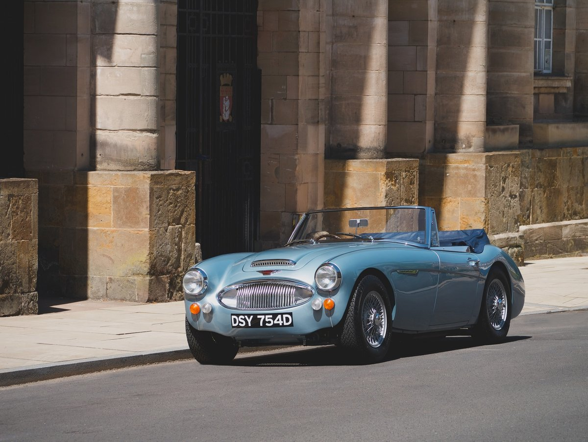 1966 Austin Healey 3000 MKIII BJ8 - JME Restored SOLD (picture 1 of 6)