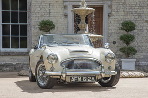 1963 Austin Healey 3000 MkIIA BJ7 | Ivory White, RHD For Sale