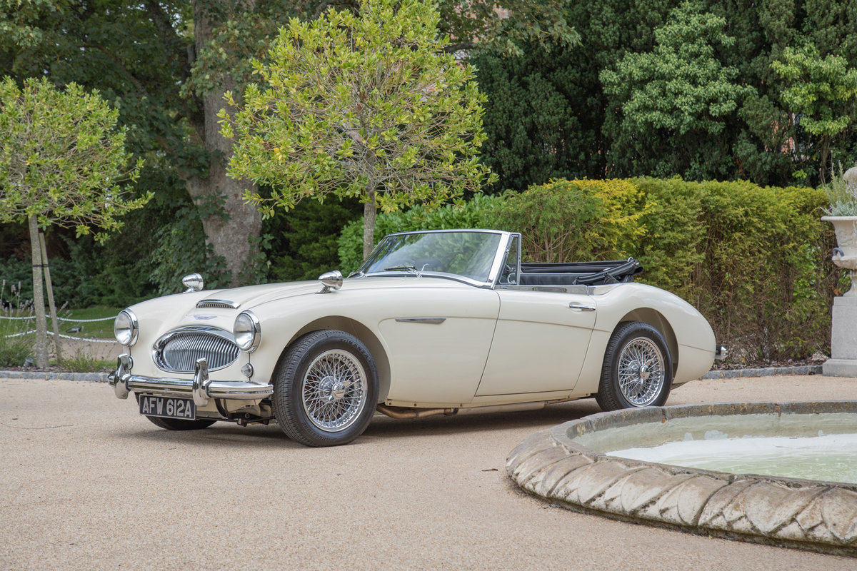1963 Austin Healey 3000 MkIIA BJ7 | Ivory White, RHD For Sale (picture 2 of 6)