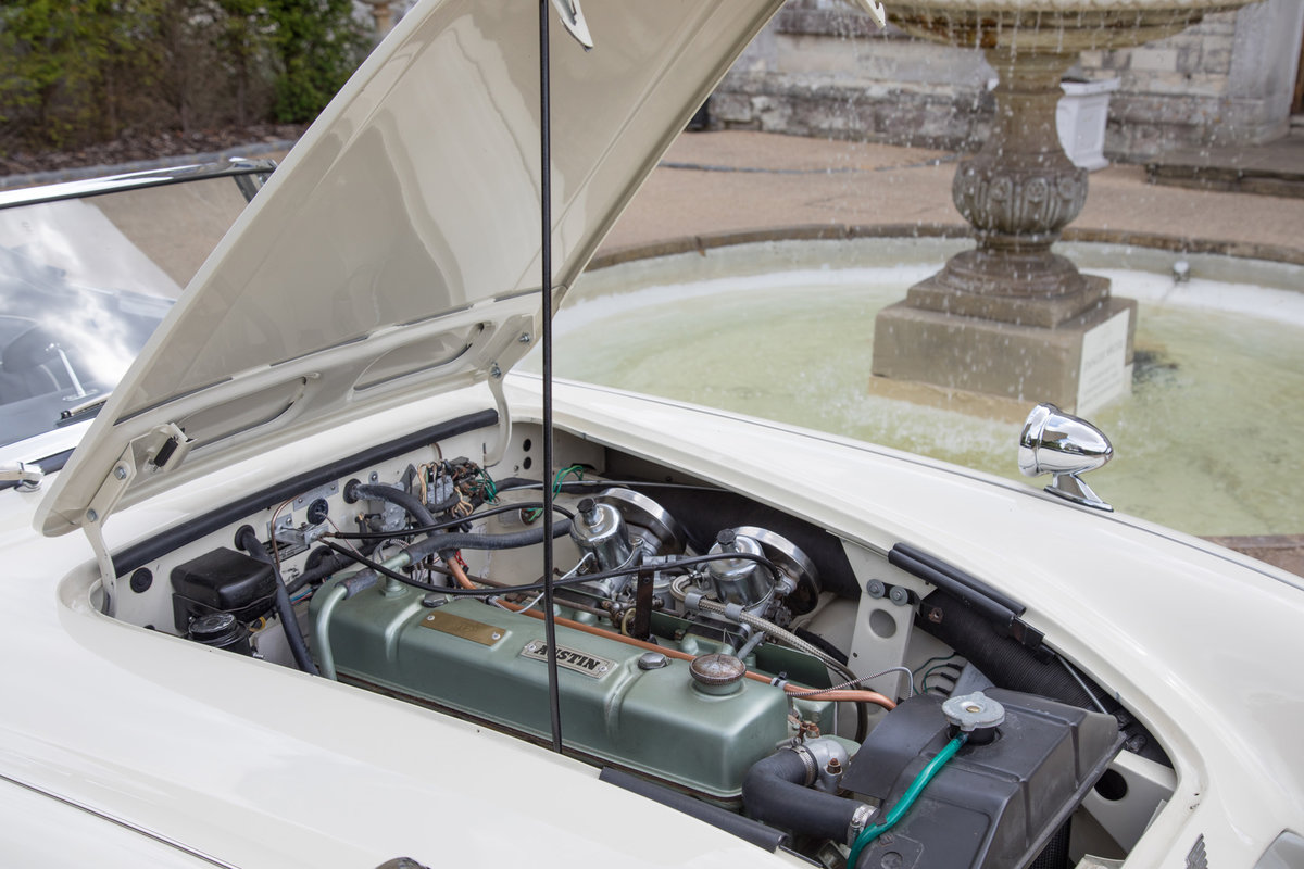 1963 Austin Healey 3000 MkIIA BJ7 | Ivory White, RHD For Sale (picture 5 of 6)