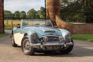 1961 Austin Healey 3000 MkII Tri-Carb, 2,500 miles since resto For Sale
