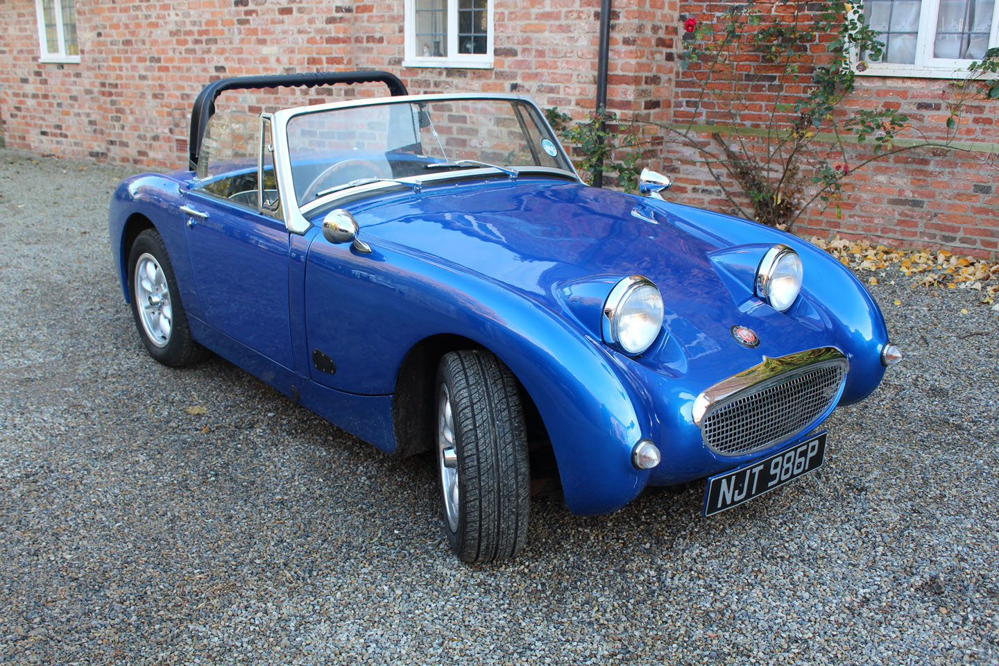 1976 Austin Healey Sprite Hire | Hire a Frogeye Sprite (replica) For Hire (picture 1 of 4)