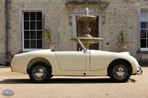 1959 Austin Healey 'Frogeye' Sprite | Original RHD, Ivory White SOLD (picture 2 of 6)
