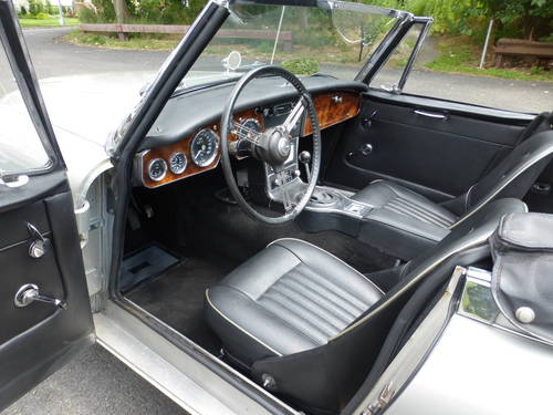 1966 Austin Healey 3000 BJ8 Extremely Presentable- SOLD (picture 5 of 6)