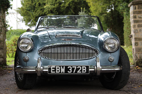 1964 Austin Healey 3000 MKIII BJ8 | Healey Blue and Ivory SOLD (picture 2 of 6)