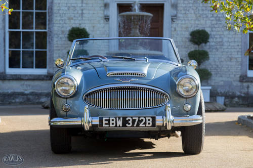 1964 Austin Healey 3000 MKIII BJ8 | Original Healey Blue & Ivory SOLD (picture 2 of 6)
