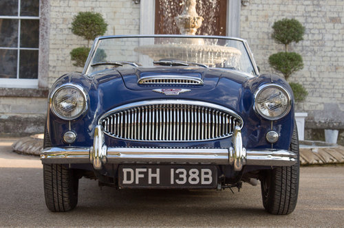 1964 Austin Healey 3000 MIII   950m Since Restoration SOLD (picture 2 of 6)