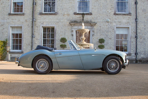 1963 Austin Healey 3000 MKIIA BJ7 | 60k from new, Original Blue SOLD (picture 3 of 6)