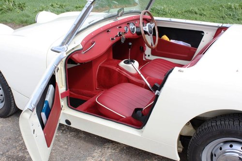 1960 OUTSTANDING AUSTIN HEALEY SPRITE SOLD (picture 2 of 6)