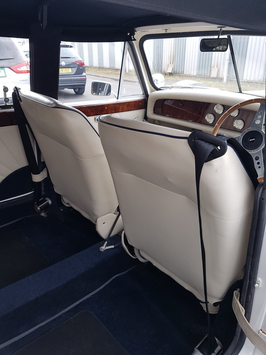 2001 Beauford 4 door Long Bodied For Sale (picture 5 of 6)