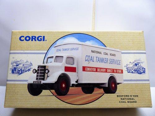CORGI BEDFORD O VAN-NATIONAL COAL BOARD For Sale (picture 1 of 6)
