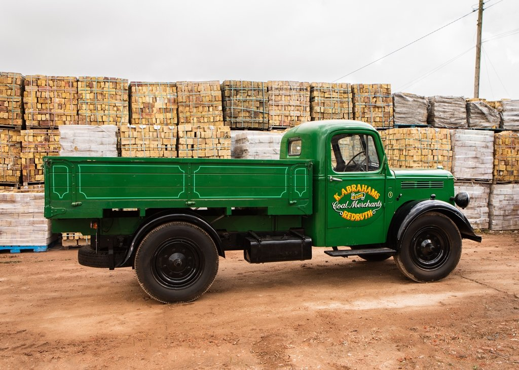 1948 Bedford K-Type Truck (30 cwt) SOLD by Auction (picture 2 of 6)
