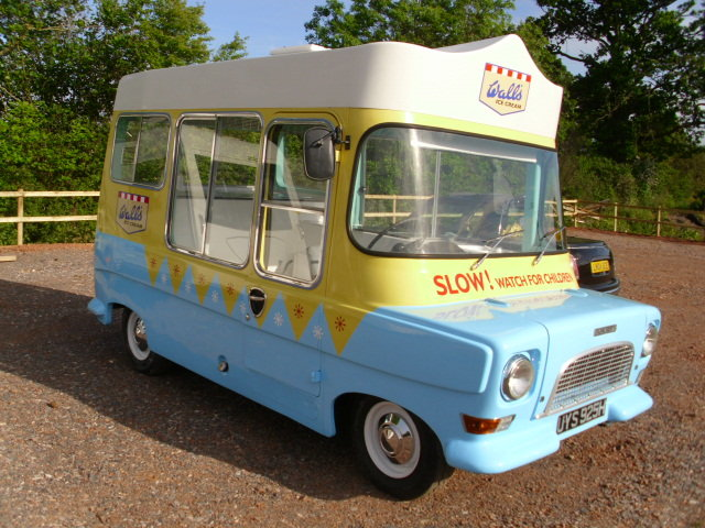 1969 bedford ca electrofreeze ice cream van For Sale (picture 2 of 6)
