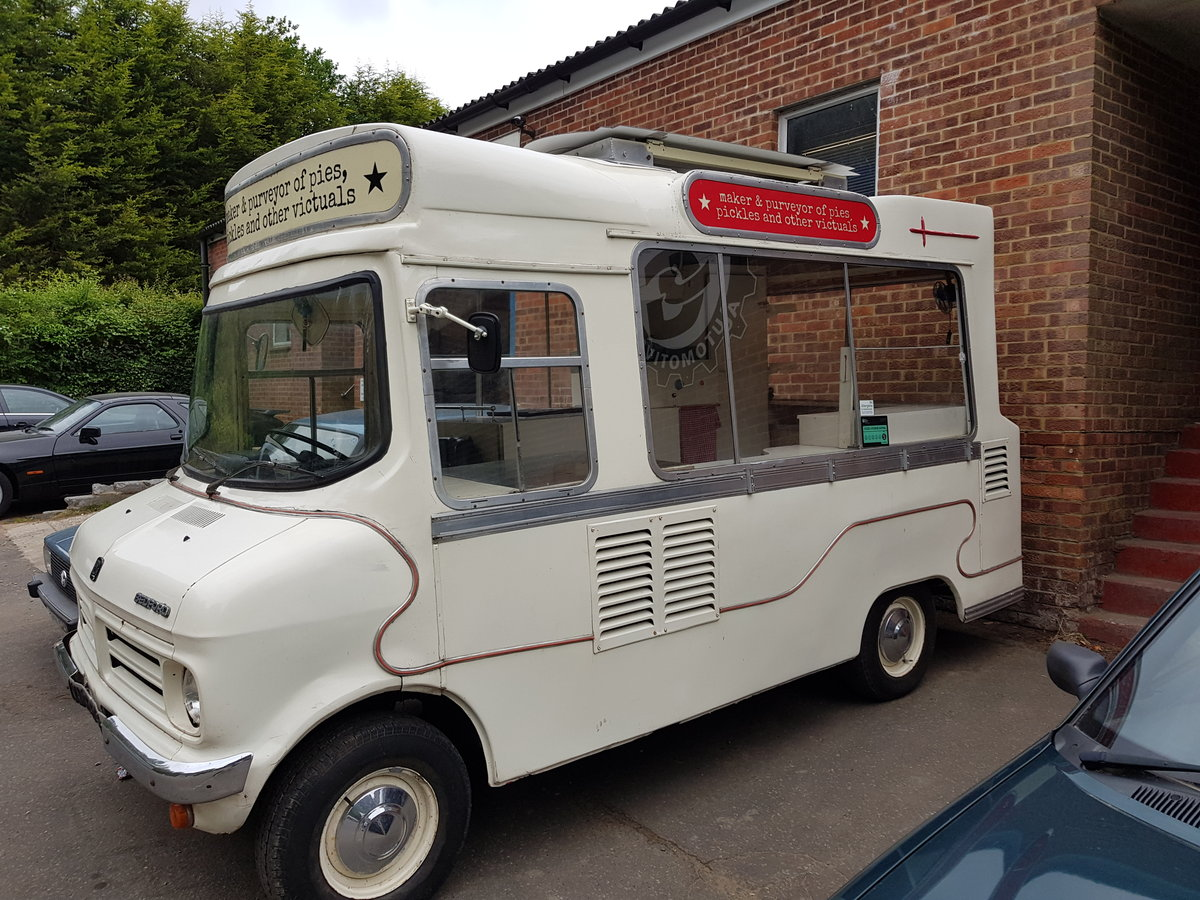 1971 Beautiful Vintage Ice Cream Van For Sale (picture 2 of 6)