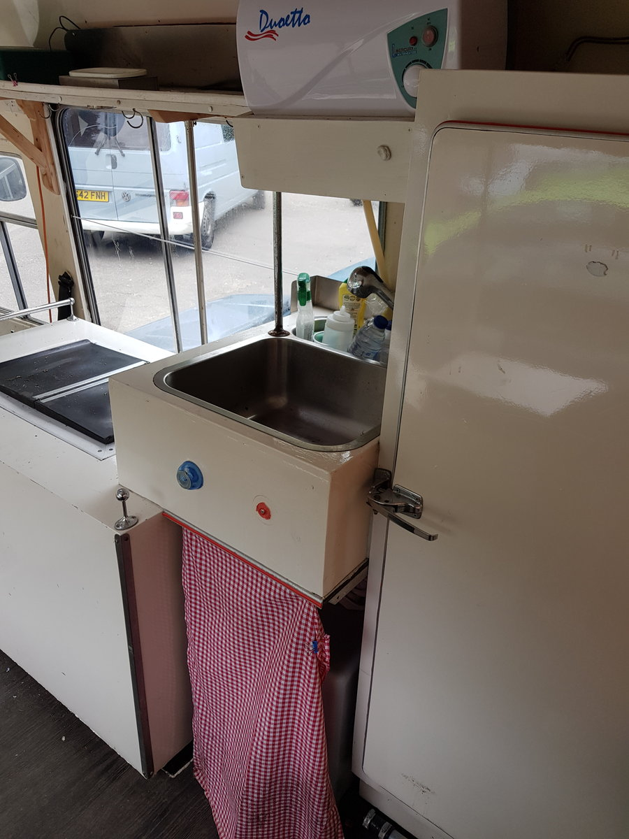 1971 Beautiful Vintage Ice Cream Van For Sale (picture 4 of 6)