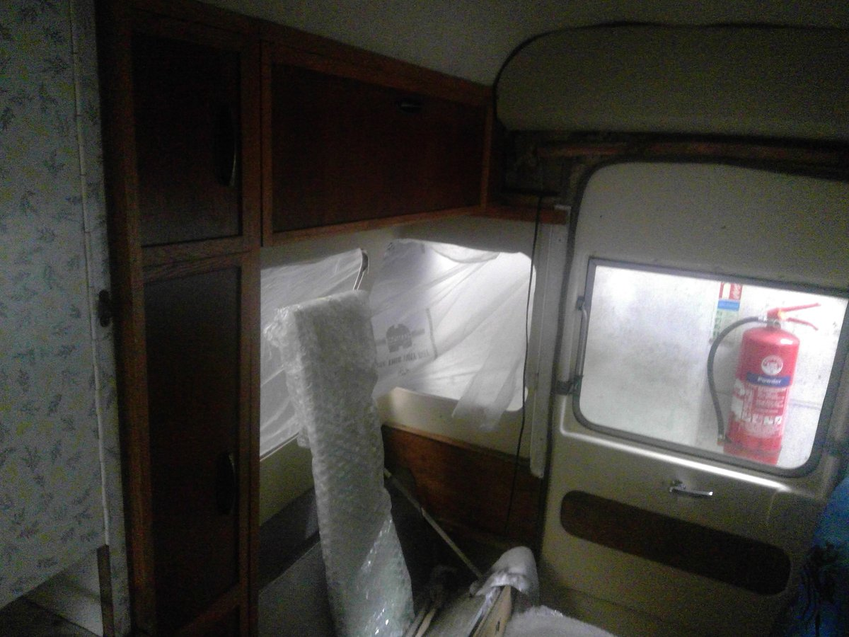 1967 Bedford Dormobile Camper For Sale (picture 4 of 6)