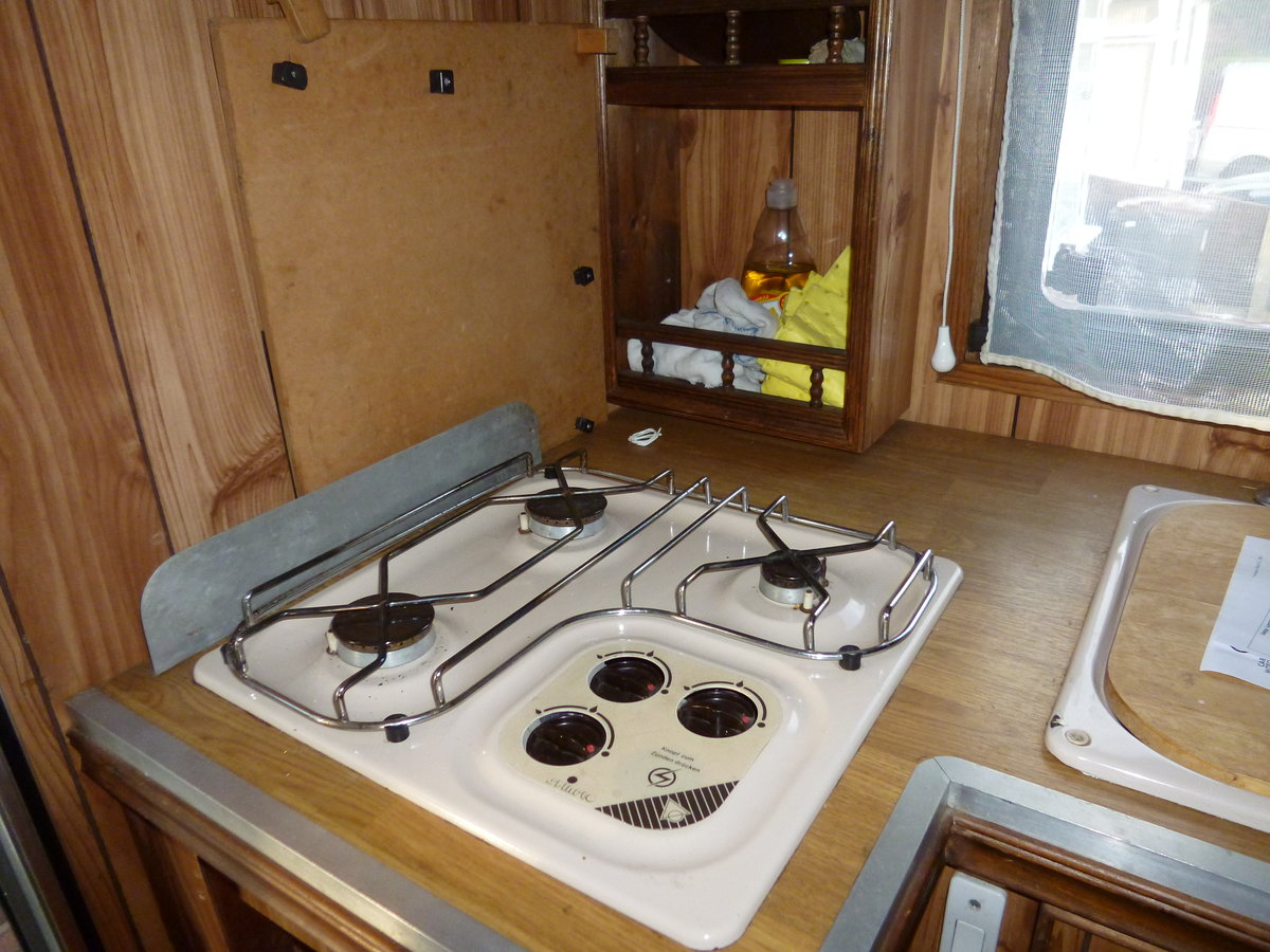 1986 Bedford 2.3D 3.5T Hawton Camper Conversion For Sale (picture 3 of 6)