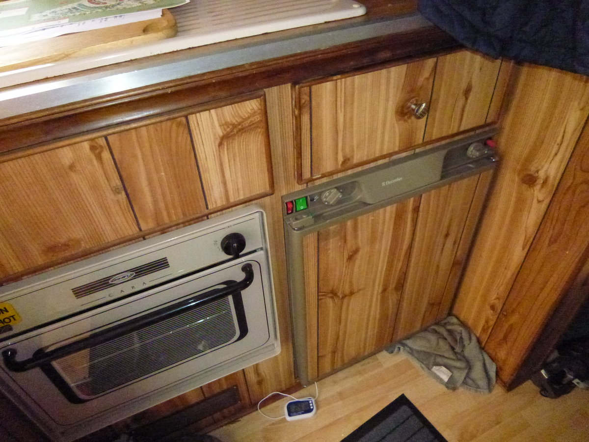 1986 Bedford 2.3D 3.5T Hawton Camper Conversion For Sale (picture 4 of 6)