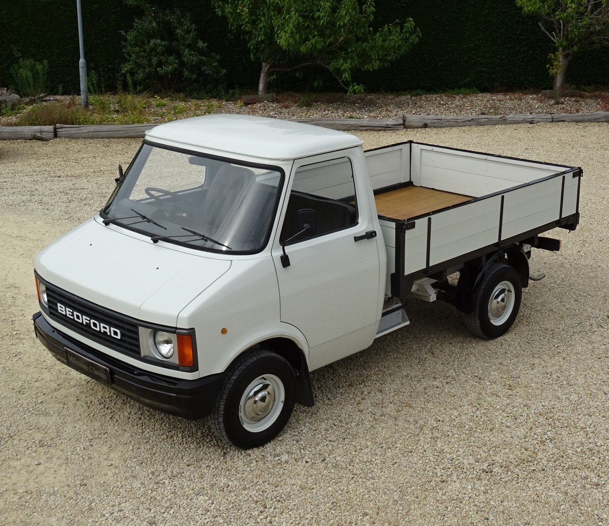 Bedford CF2 Drop Side Truck – Rare Opportunity For Sale (picture 1 of 6)