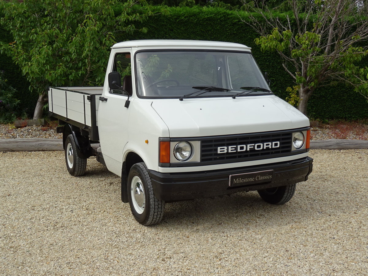 Bedford CF2 Drop Side Truck – Rare Opportunity For Sale (picture 2 of 6)