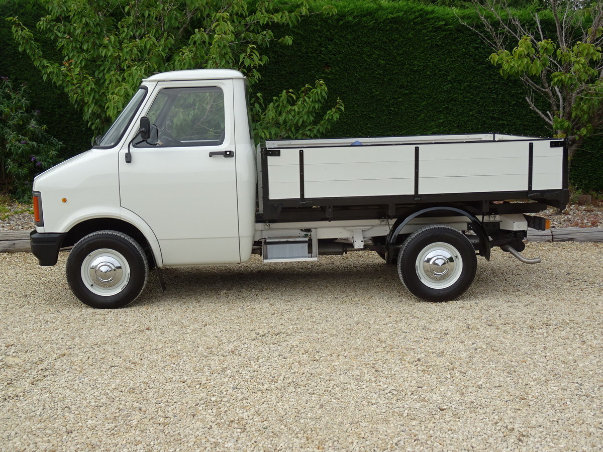 Bedford CF2 Drop Side Truck – Rare Opportunity For Sale (picture 4 of 6)