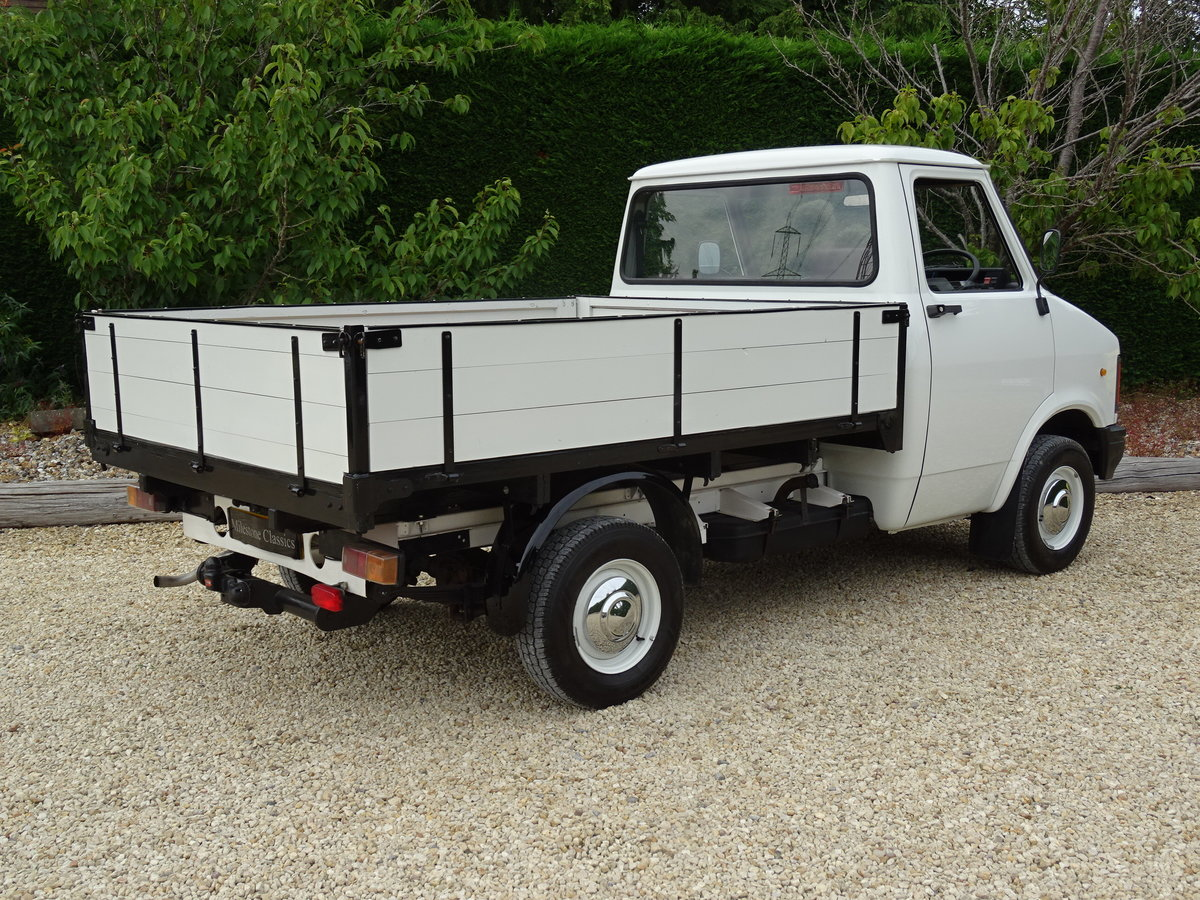 Bedford CF2 Drop Side Truck – Rare Opportunity For Sale (picture 5 of 6)