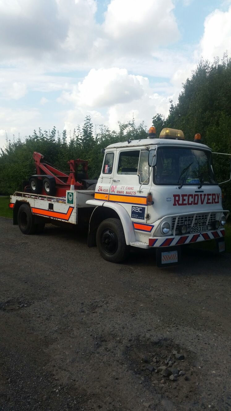 1986 Bedford classic recovery / breakdown truck For Sale (picture 1 of 6)
