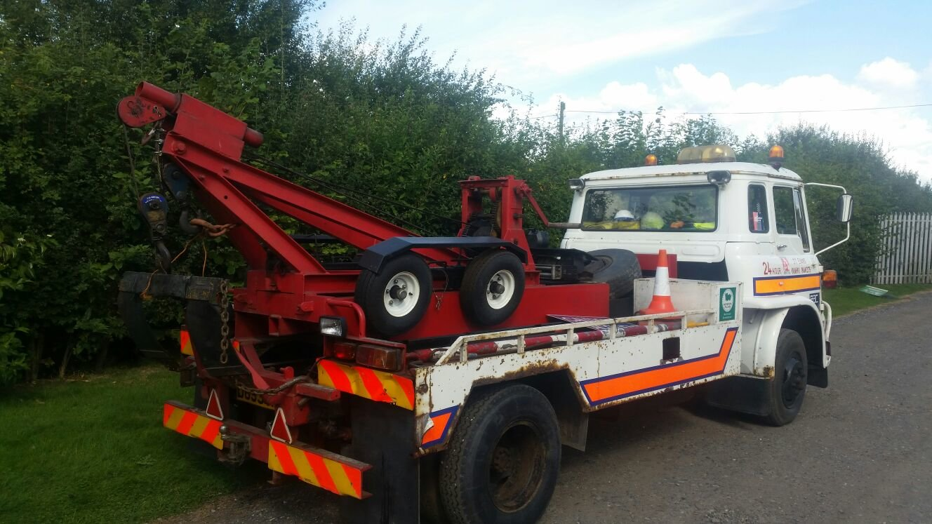 1986 Bedford classic recovery / breakdown truck For Sale (picture 2 of 6)