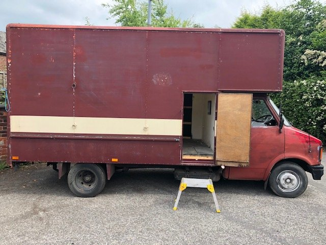 1982 Bedford horsebox For Sale (picture 2 of 6)