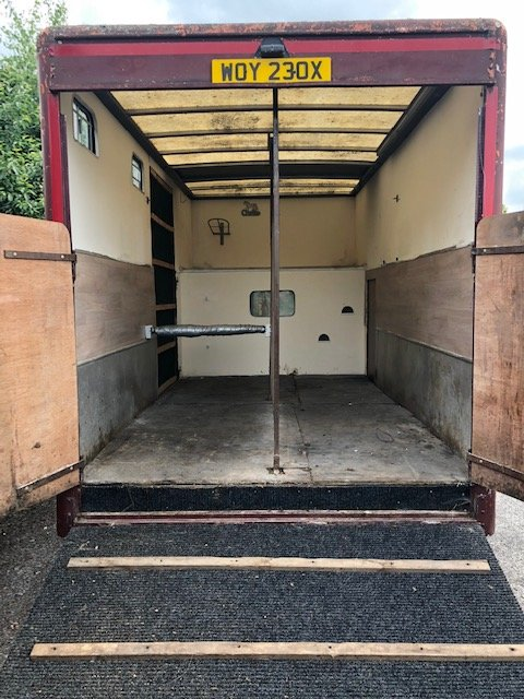 1982 Bedford horsebox For Sale (picture 4 of 6)