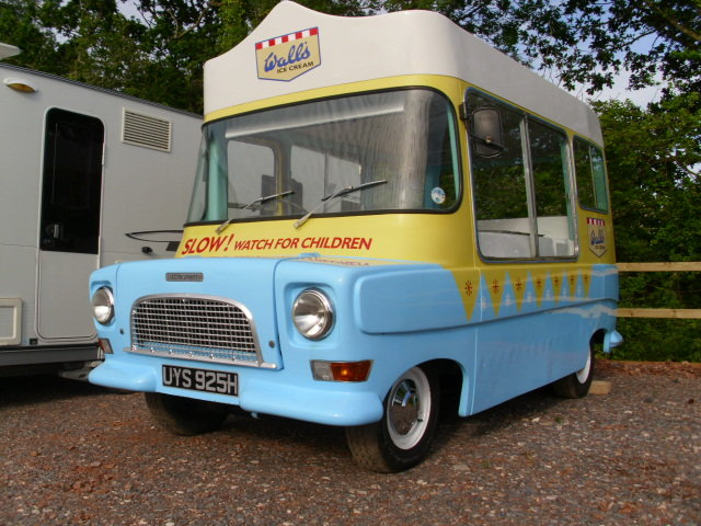 1969 bedford ca electro-freeze ice cream van For Sale (picture 2 of 6)